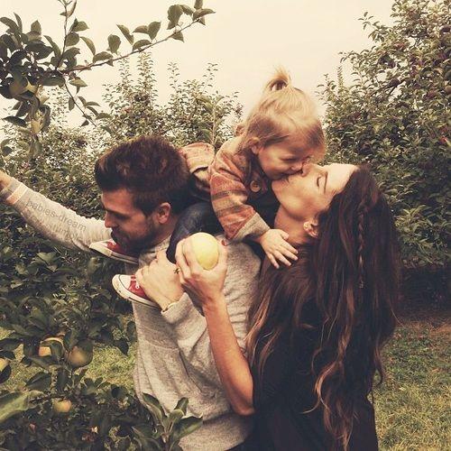 66c049a4dfd160e78532f9d42eaa462f-beautiful-family-family-love.jpg